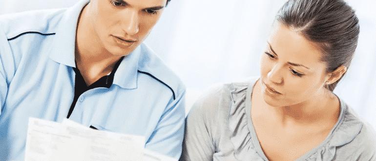 Кто платит алименты на ребенка при разводе супругов фото